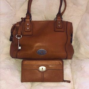 EUC Fossil leather purse and leather wallet
